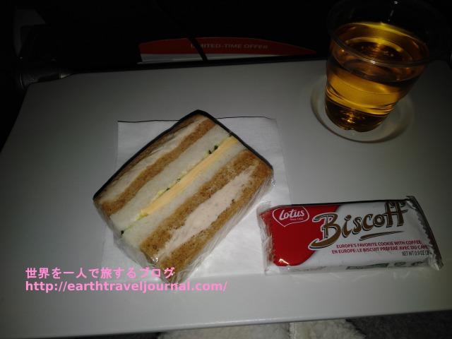 エアカナダのエコノミークラス機内食往路3回目