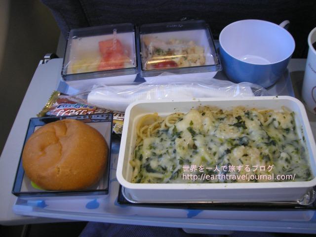 チャイナエアライン(中華航空)のエコノミークラス機内食往路2回目