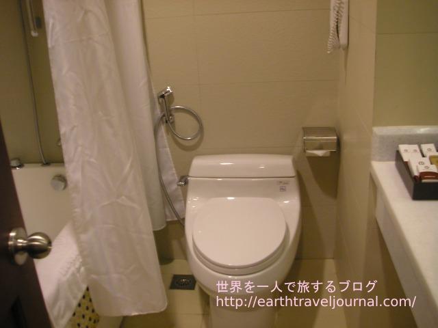 ホーチミン(ベトナム)のおすすめホテル『エデンスター サイゴン ホテル&スパ』のバスルーム